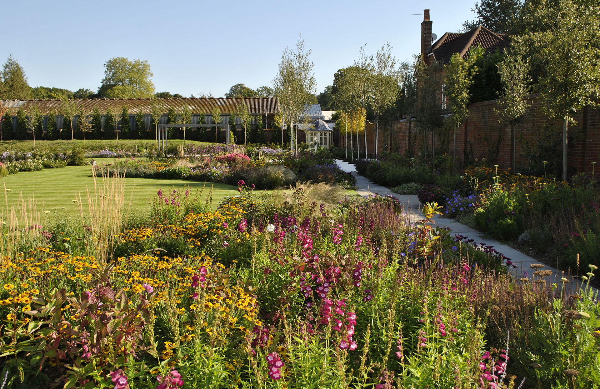 Residential Gardens Archives - Designs For All Seasons